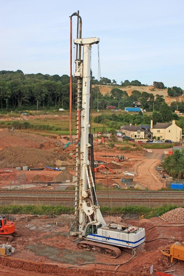 钻行业移动抽油装置 免版税库存照片