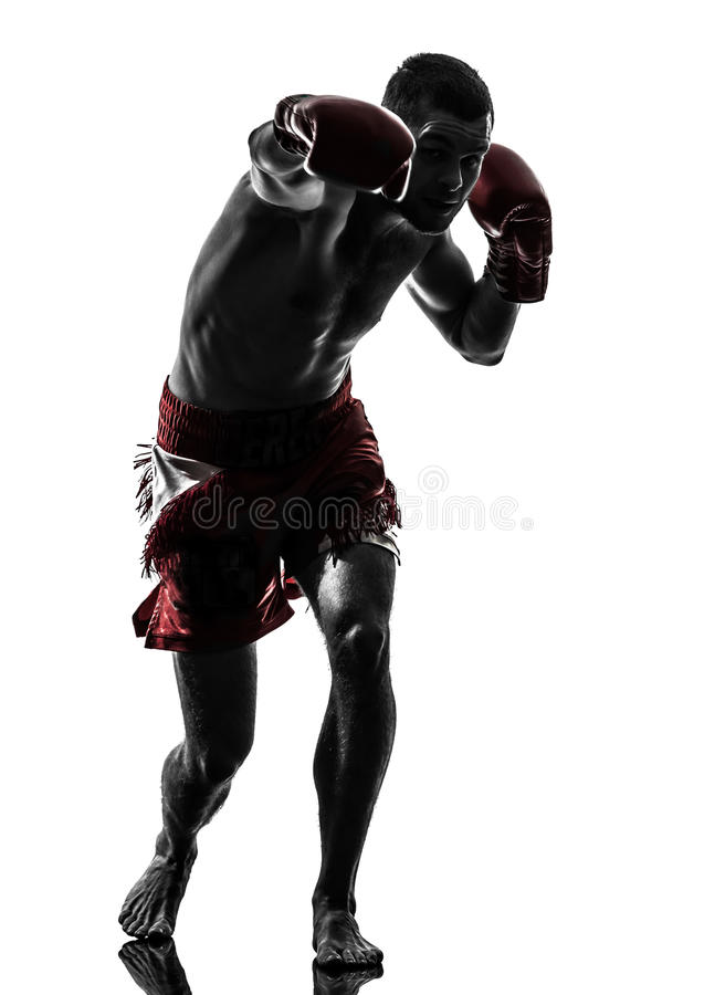 行使泰国拳击剪影的一个人 免版税库存照片