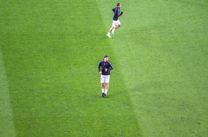 行动的兹拉坦・易卜拉希莫维奇在欧洲联赛冠军杯ma前 库存图片