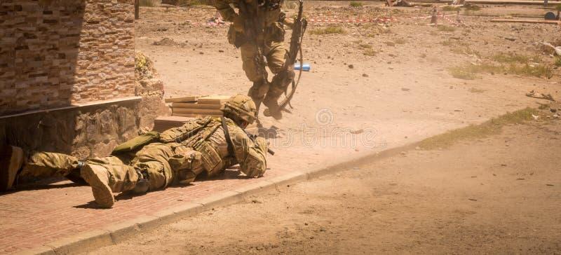 行动的战士在冲突区域IV 免版税图库摄影