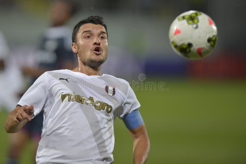 行动的足球运动员- Constantin Budescu 免版税库存图片
