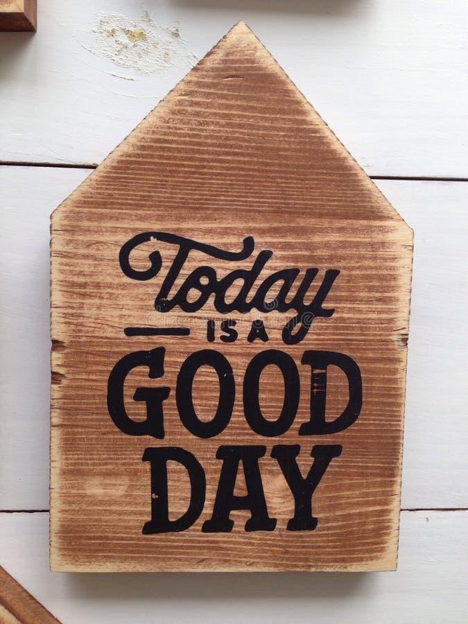 行情今天是在木头的一个早晨好 库存图片