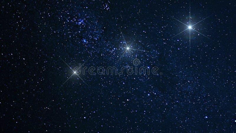 行星、星系、宇宙、繁星之夜天空、银河星系与星和空间尘土在宇宙,长的曝光照片, 免版税库存图片