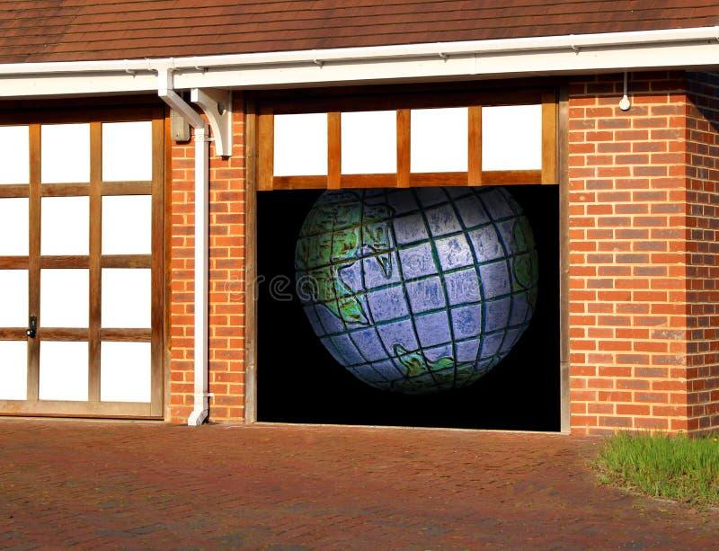 行星在车库的地球地球 库存照片