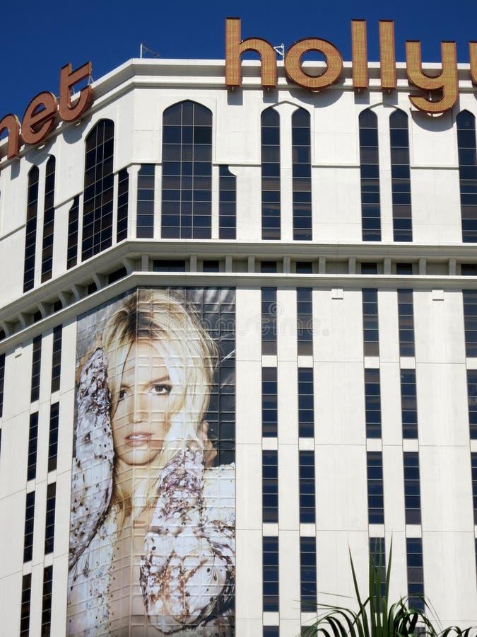 行星有布兰妮・斯皮尔斯广告的好莱坞旅馆在大厦 库存图片