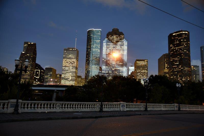 街市休斯敦地平线在晚上 库存图片