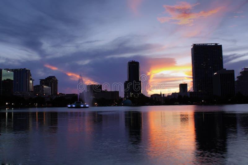 街市奥兰多,佛罗里达,黄昏的(1) 免版税库存照片