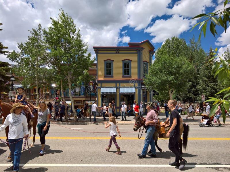 街市布雷肯里奇,科罗拉多在夏天 库存图片