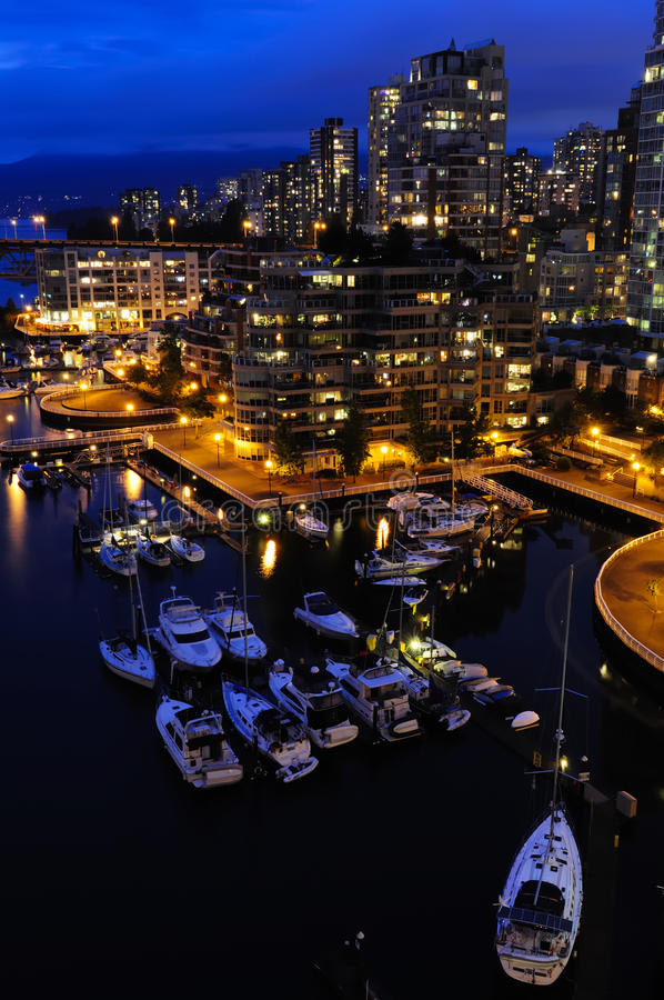 街市晚上温哥华 库存照片