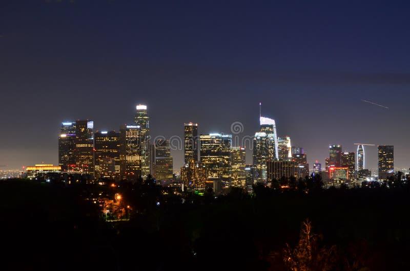 街市洛杉矶在晚上-从天堂公园的看法 库存图片