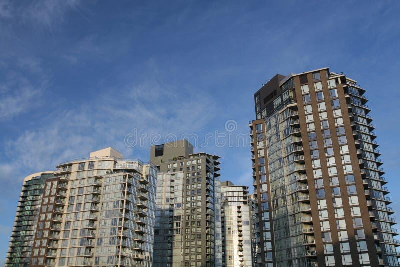 街市的公寓 免版税库存照片
