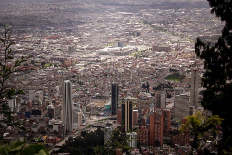 街市的大厦的风景在波哥大,哥伦比亚 免版税库存照片