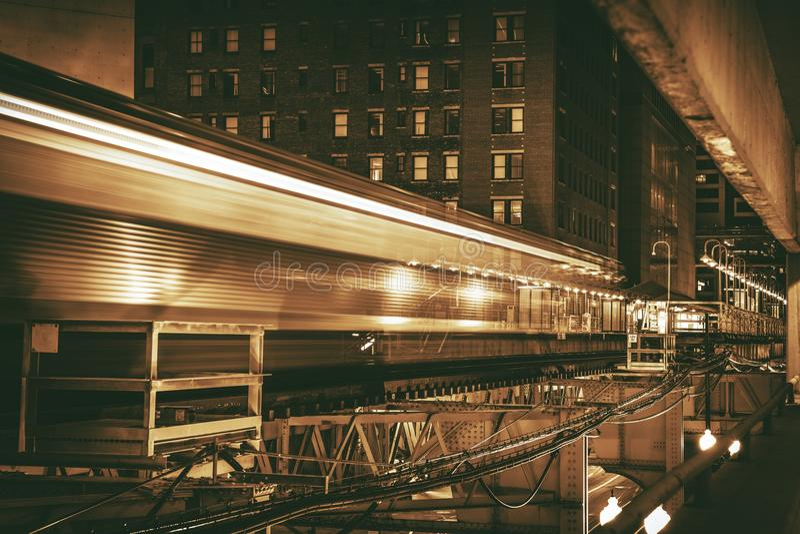 街市芝加哥火车 免版税库存图片