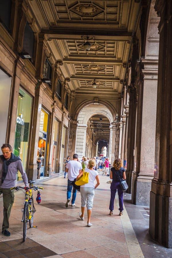 街市街道的全视图 免版税库存照片
