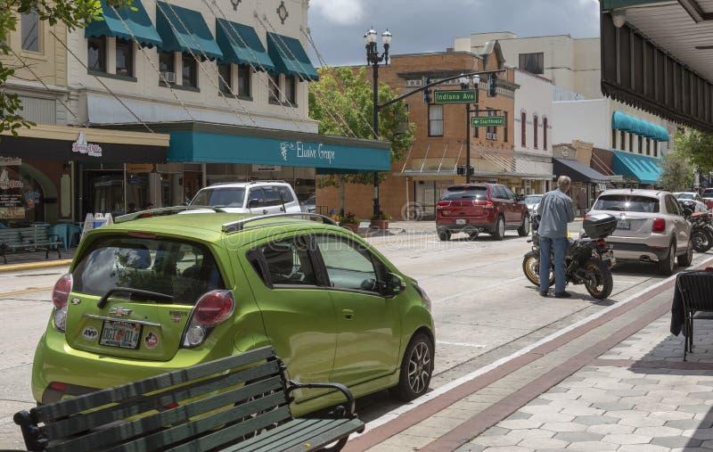 街市购物的街道在德兰佛罗里达美国 免版税库存照片