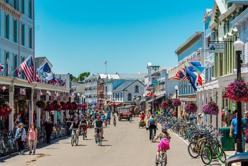 街市Mackinac海岛密执安拥挤的街  库存照片