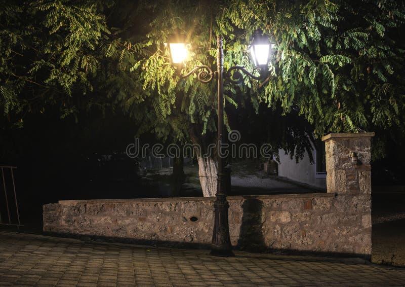 街灯在晚上 免版税库存图片
