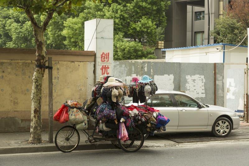 街边小贩在上海,中国 免版税库存照片