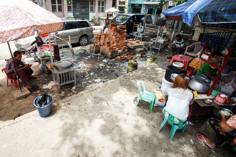 街道人生的仰光,缅甸 免版税图库摄影