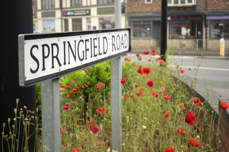 街道名字标志'斯普林菲尔德路'在格兰瑟姆,英国 图库摄影
