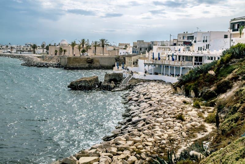 街道和马赫迪耶海岸在突尼斯 库存图片
