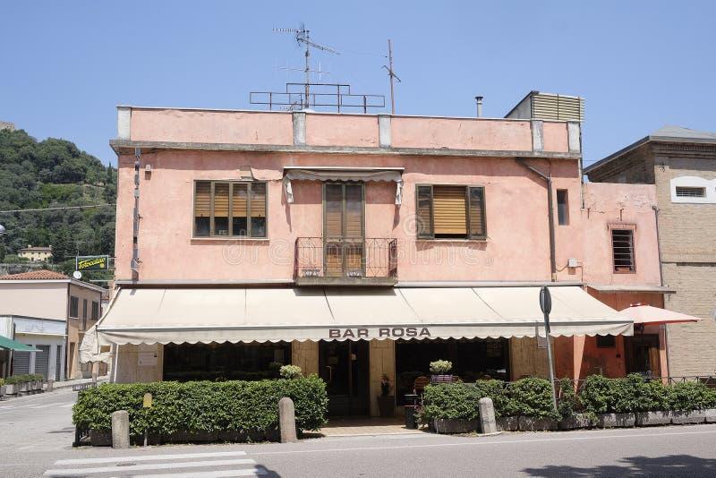 街道咖啡馆在蒙塞利切 免版税库存图片