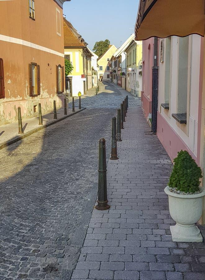 街道在城市瓦拉日丁,克罗地亚 免版税库存图片