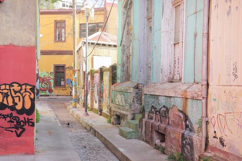 街道在瓦尔帕莱索的历史中心 免版税库存照片
