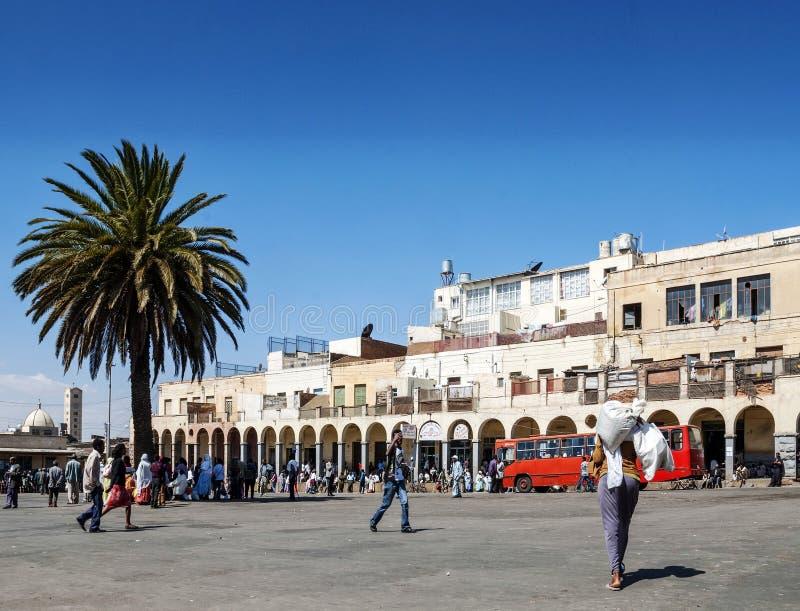 街道在阿斯马拉市厄立特里亚主要市场区域  库存照片