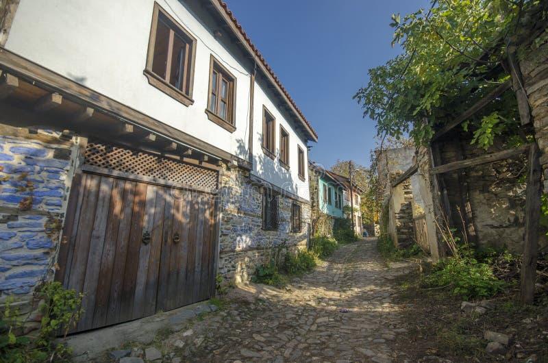 街道在Cumalikizik村庄 免版税库存照片