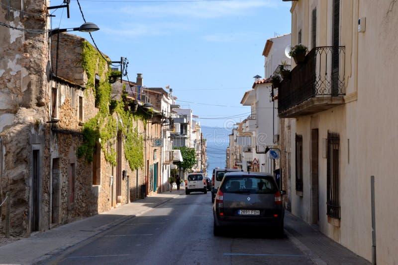 街道在L'Escala,肋前缘Brava,西班牙 免版税图库摄影