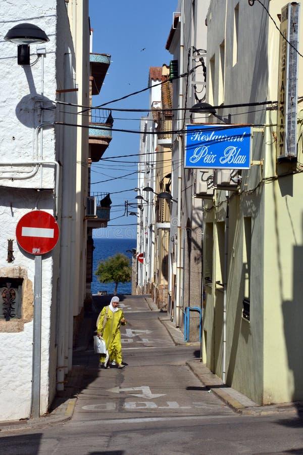 街道在L'Escala,肋前缘Brava,西班牙 免版税库存图片