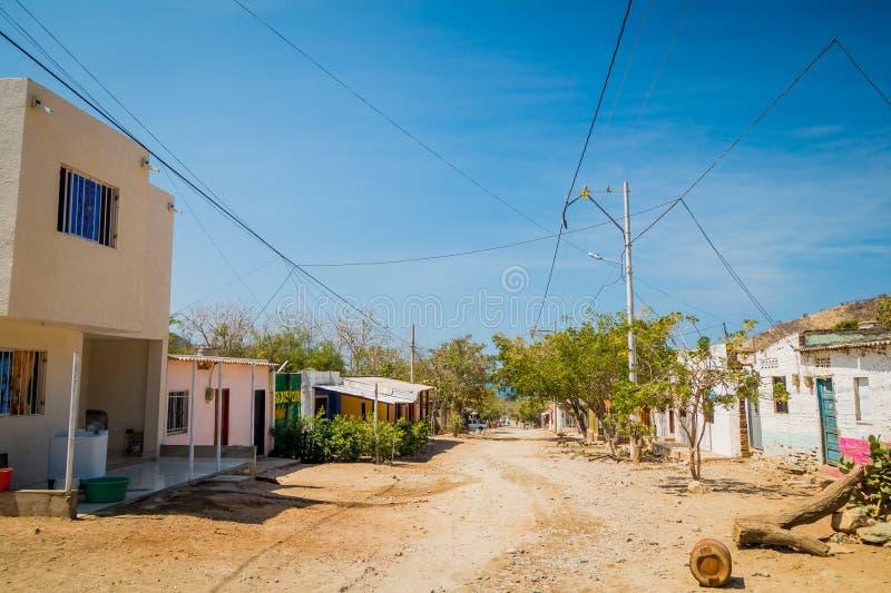 街道在Tanganga镇靠岸,圣玛尔塔 库存照片