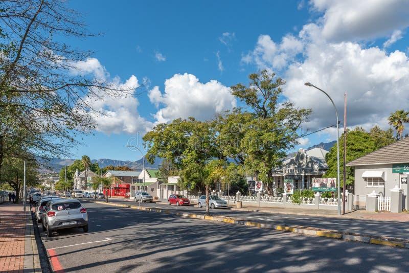 街道场面,与企业,人们和车,在Wellingto 库存图片