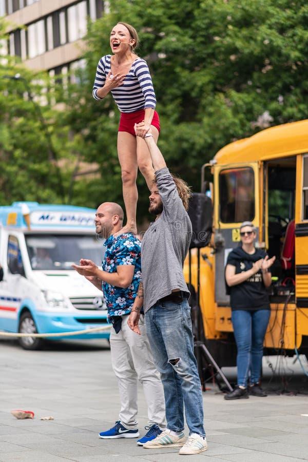 街道执行者在谢菲尔德Tramlines 2019在城市执行直播 图库摄影