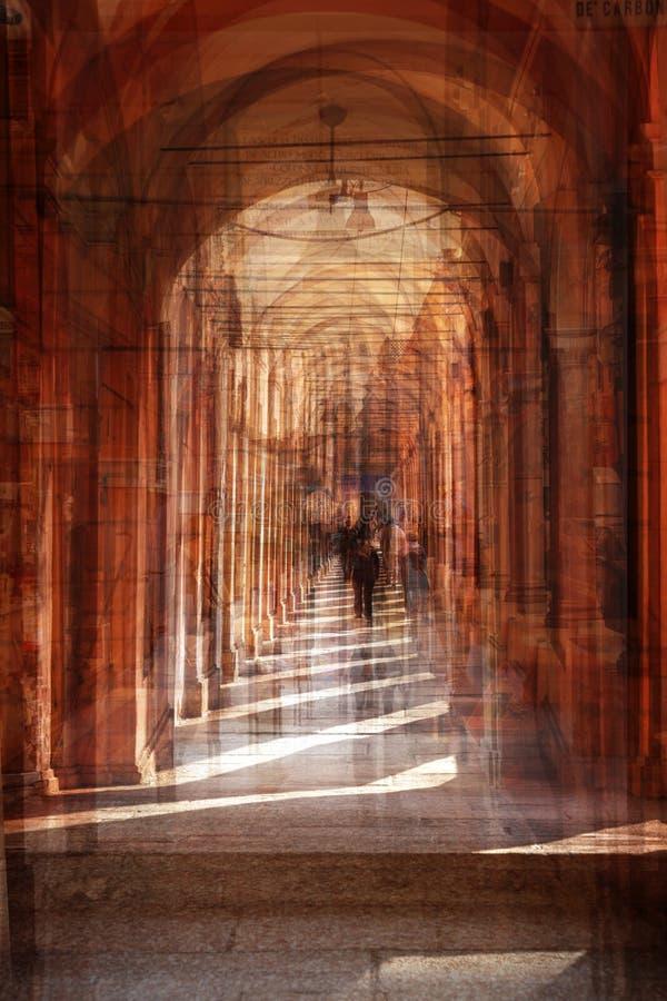 街道拱廊,意大利多重曝光  库存例证