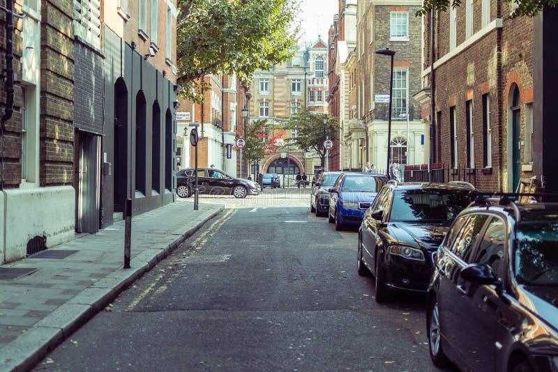 街道摄影, Streatham街在伦敦 免版税库存照片
