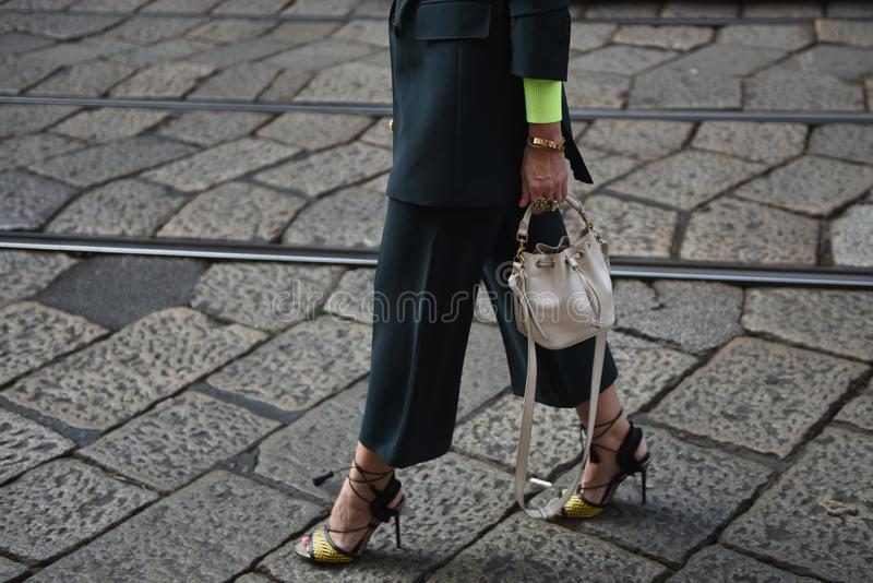 街道样式成套装备米兰时尚星期 库存照片