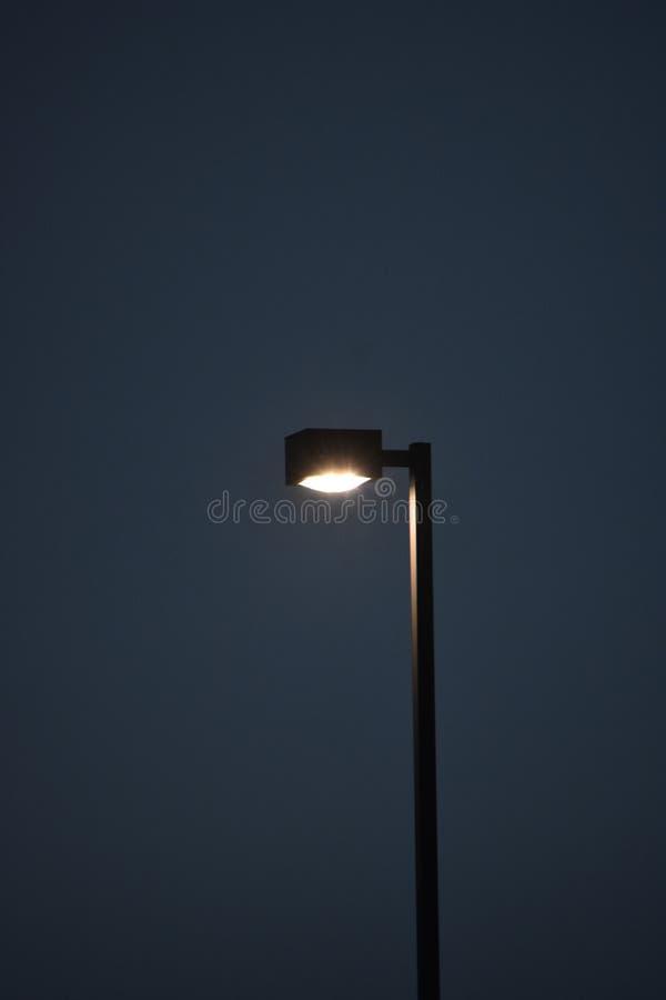 街道波兰人和灯具 免版税库存图片