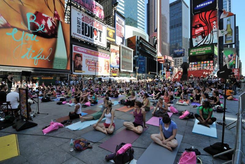 街道瑜伽 库存图片