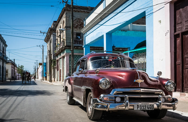 街道生活图t在有老朋友的哈瓦那古巴 库存照片