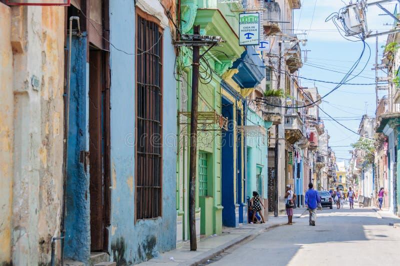 街道生活在La Habana Vieja,古巴 库存照片
