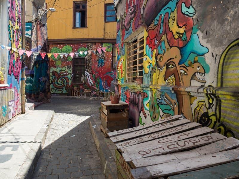 街道艺术和街道画在瓦尔帕莱索,智利 库存图片