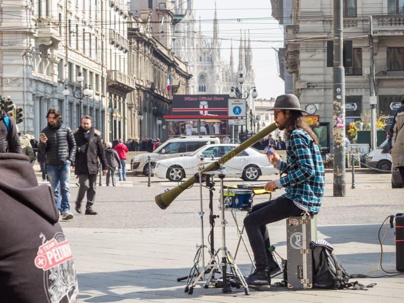 街道艺术家音乐家在米兰,意大利,欧洲 库存照片