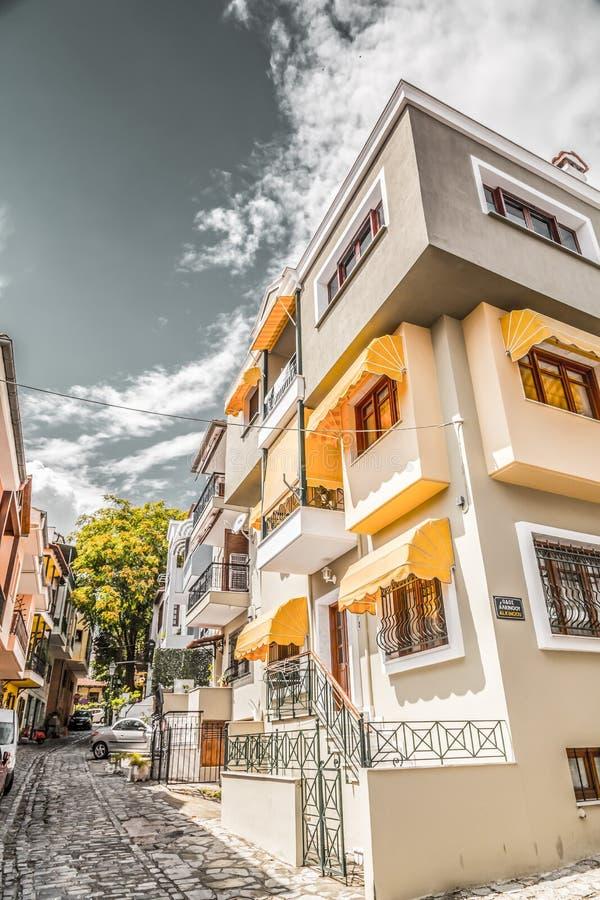 街道视图在塞萨罗尼基老  免版税库存照片