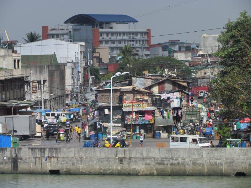 街道视图在贫民区在马尼拉 免版税库存照片