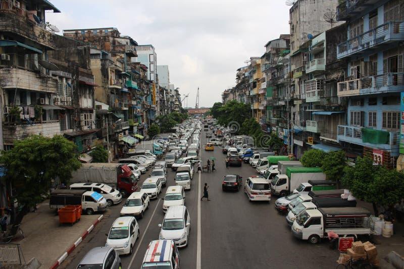 街道视图大厦yagoon,缅甸缅甸 免版税图库摄影