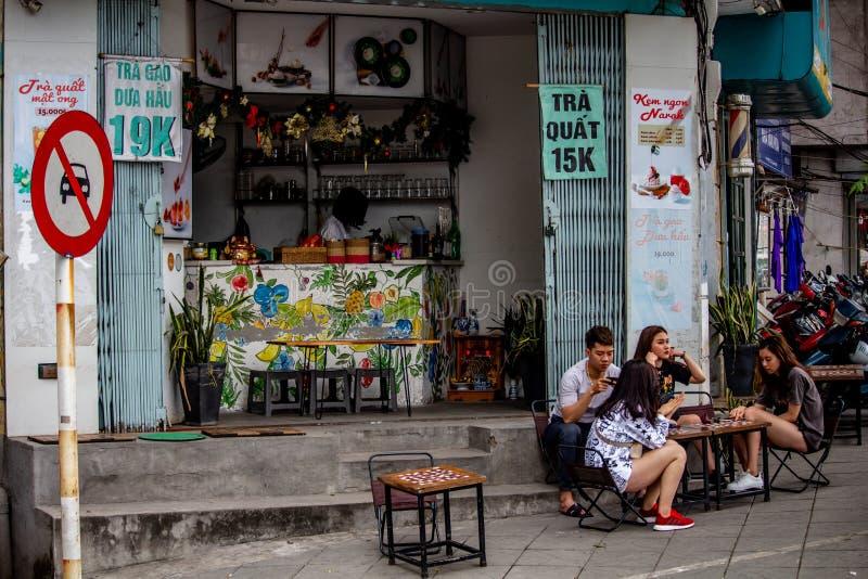 街道酒吧河内亚洲人生活方式 免版税图库摄影