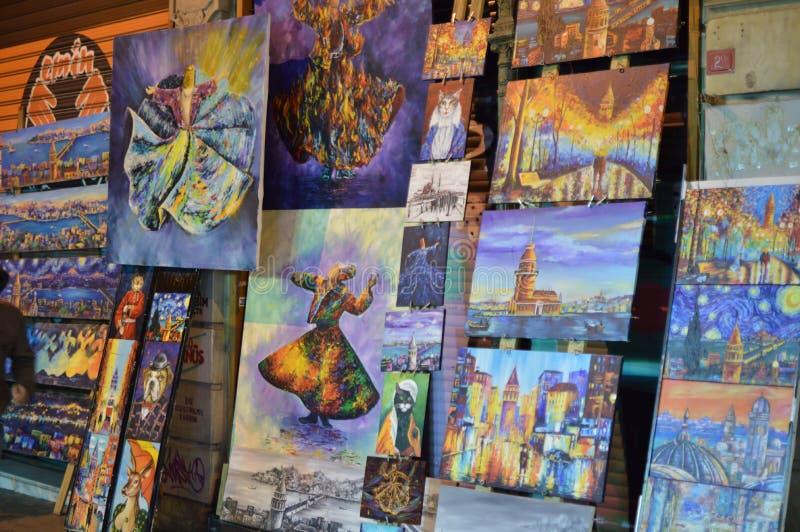 街道销售的美好的油画 免版税库存照片
