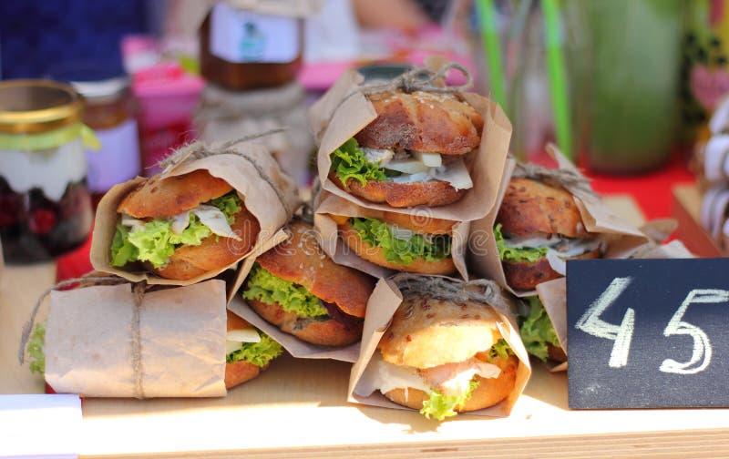 街道食物三明治 免版税库存照片